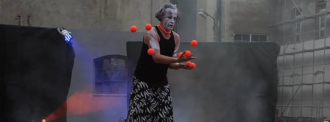 Yufi.Zongler.CZ - Strach ze strachu - Třebíč - 8 míčků